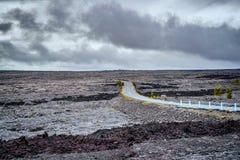 Gestalten Sie um die Kette der Kraterstraße in der großen Insel von Hawa landschaftlich Lizenzfreie Stockfotos