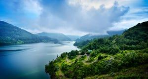 Gestalten Sie von Siriu-Damm, Buzau, Rumänien landschaftlich Lizenzfreie Stockfotos