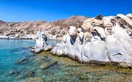 Gestalteter Granit blockiert Kolimbithres-Strand, Paros, Griechenland Lizenzfreie Stockbilder