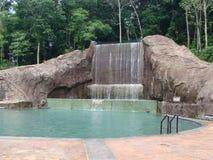 Gestalteter Wasserfall Lizenzfreie Stockfotografie