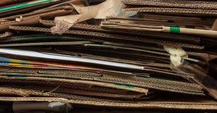 Gestapeld bruin gerecycleerd karton Royalty-vrije Stock Foto