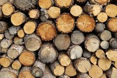 Gestapelde brandhoutachtergrond royalty-vrije stock fotografie