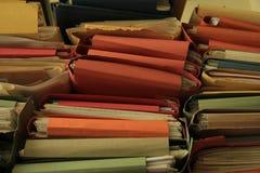 Gestapelde bureaudossiers Stock Fotografie