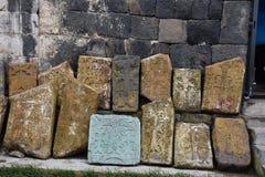 Gestapelde Grafstenen bij Sevanavank-Klooster, Armenië Royalty-vrije Stock Fotografie