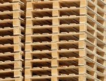 Gestapelde Pallets Stock Foto's