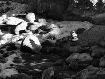 Gestapelde steenschaduwen stock afbeeldingen