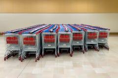 Gestapelde supermarktkarretjes Royalty-vrije Stock Foto