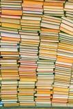 Gestapelt von den Büchern Lizenzfreie Stockfotos