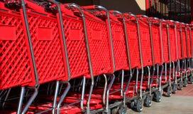 Gestapelte Einkaufenwagen Lizenzfreies Stockfoto