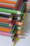 Gestapelte farbige Bleistifte Lizenzfreie Stockbilder