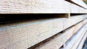 Gestapelte hölzerne Planken Lizenzfreie Stockbilder
