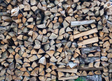 Gestapelte Holzscheite Stock Foto