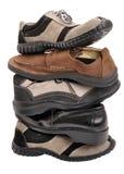 Gestapelte Schuhe lizenzfreie stockfotos