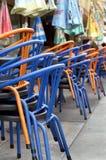 Gestapelte Stühle Lizenzfreies Stockfoto