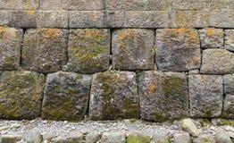 Gestapelte Steinwand Stockbilder