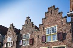 Gestapte geveltophuizen in Alkmaar, Nederland stock fotografie