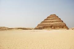 Gestapte piramide in Saqqara in Egypte Stock Foto's