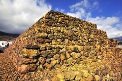 Gestapte piramides Stock Fotografie