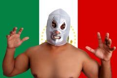 Geste argenté de lutte mexicain de chasseur de masque Photographie stock libre de droits