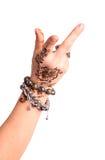 Geste de main femelle de danse orientale. Main femelle avec la PA de henné Photos libres de droits