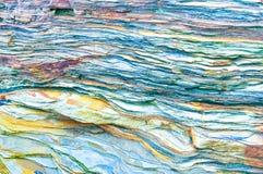 Gesteinsschichten -, die bunte Bildungen des Rocks Jahrhunderte gestapelt über sind Interessanter Hintergrund mit faszinierender  lizenzfreies stockbild