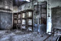 Gestell und alte Tür Stockfoto