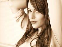 Gestemd Creatief Portret van een Jonge Ontspannen Vrouw en Inhoudsloo royalty-vrije stock afbeelding