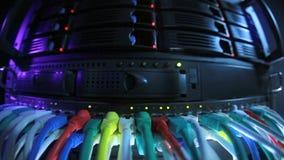 Gestemde het blauw van het serverrek stock videobeelden