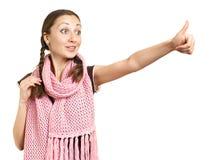 gestflicka som ger upp le tum Royaltyfri Fotografi