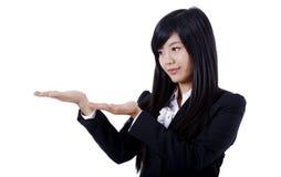 Gesticular da mulher/que mostra fotos de stock royalty free