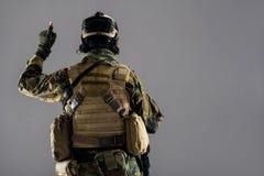 Gesticulating όπλα ατόμων και φθορά των πυρομαχικών Στοκ Φωτογραφία