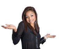 gesticulation d'épaule d'isolement par femme d'affaires Images stock