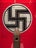 Gestileerd Nazi Flag, Museum van de Kalavryta-Holocaust, de Peloponnesus, Griekenland stock foto's