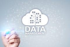 Gestion des données, gestionnaire de base de données, concept de technologie de nuage photographie stock libre de droits