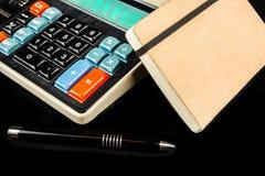 Gestione della liquidità sul retro calcolatore di stile Immagine Stock