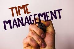 Gestione di tempo del testo di scrittura di parola Il concetto di affari per programma ha progettato per il poin della penna di t fotografia stock libera da diritti