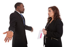 Gestionnaire d'heure de licenciement de lettre de licenciement allumant un employé photos libres de droits