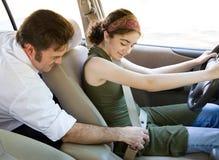 Gestionnaire de l'adolescence - attachez votre ceinture de sécurité photographie stock