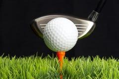 Gestionnaire et balle de golf image libre de droits