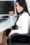 gestionnaire eyewear posant des jeunes photos stock