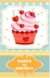 Gestippelde verjaardagskaart met rode cupcake met room Royalty-vrije Stock Foto