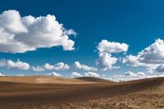 Gestoßene Ackerland-Landschaft Stockfotos