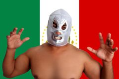Gesto de plata de lucha mexicano del combatiente de la máscara Fotografía de archivo libre de regalías