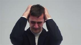 Gesto di perdita del mercato azionario, guasto, uomo d'affari sollecitato archivi video