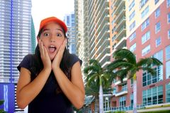 Gesto latino-americano adolescente Latin da surpresa da menina Fotografia de Stock