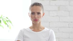 Gesto triste della giovane donna, ritratto immagini stock libere da diritti