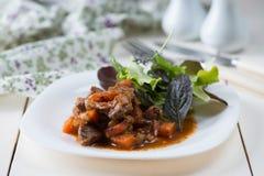 Gestoofd vlees met groenten Stock Foto's