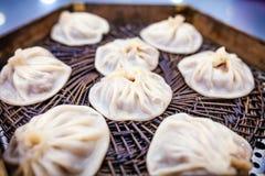 Gestoomd gevuld broodje (lange bao van Xiao) Royalty-vrije Stock Afbeeldingen