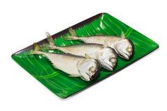 Gestoomde die vissen op Witte achtergrond worden geïsoleerd stock foto
