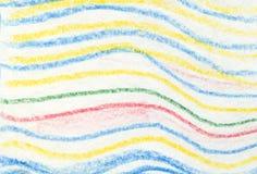 Gestreept golvend kleurpotloodpatroon Het hand geschilderde kleurpotlood van de oliepastelkleur Royalty-vrije Stock Foto